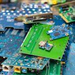 Saiba onde descartar objetos obsoletos (celulares, tvs, computadores, lâmpadas e outros)