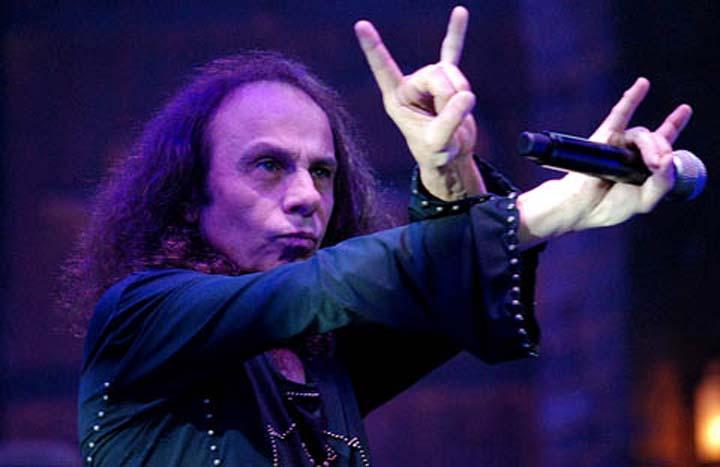 James-Ronnie-Dio_malocchio_chifres-rock (2)