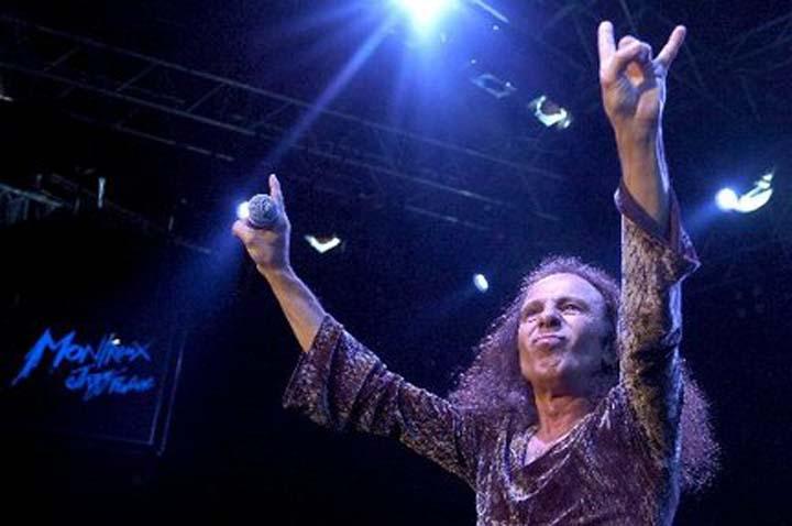 James-Ronnie-Dio_malocchio_chifres-rock (4)