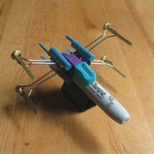 Como fazer uma nave X-Wing de Star Wars com materiais de escritório
