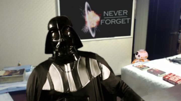 Droids Interrompem Entrevista de Darth Vader