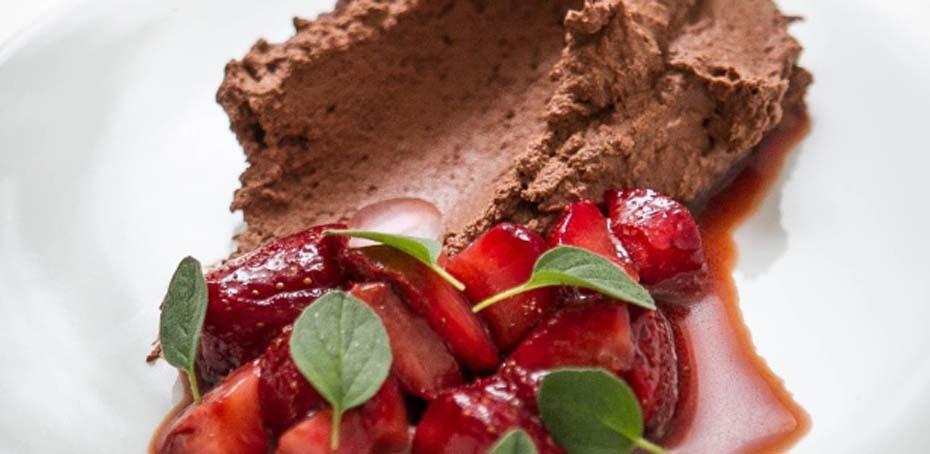 Receita Mousse de Chocolate com Morangos